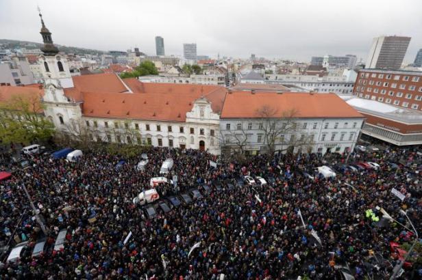 protests bratislava.jpg